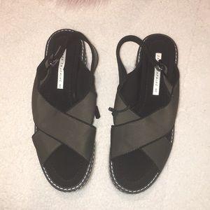Zara Trafaluc platform sandal. Size 40/9.
